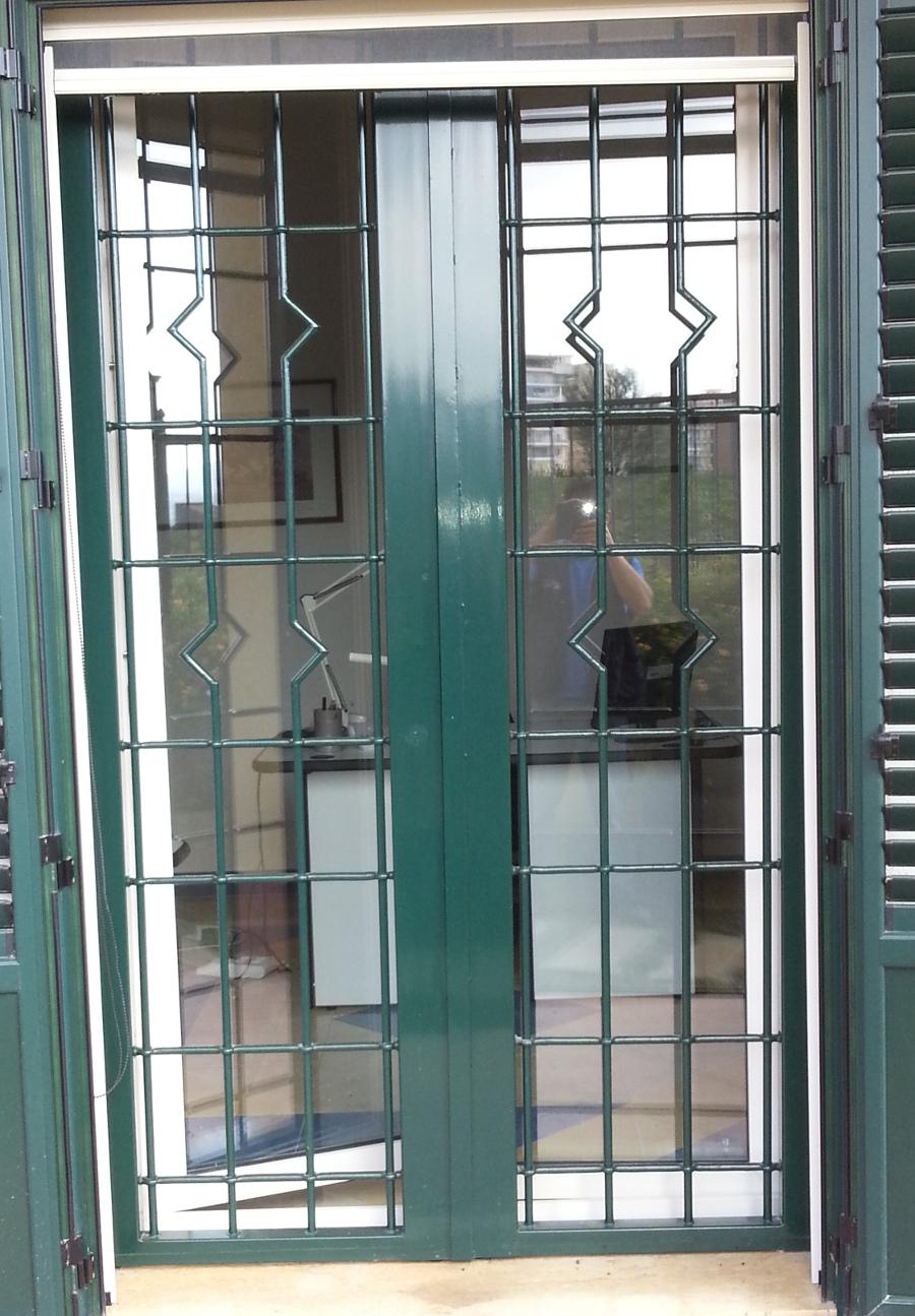 Arte ferro di giannone lavorazione ferro battuto grate di protezione in ferro per - Grate in ferro battuto per finestre ...